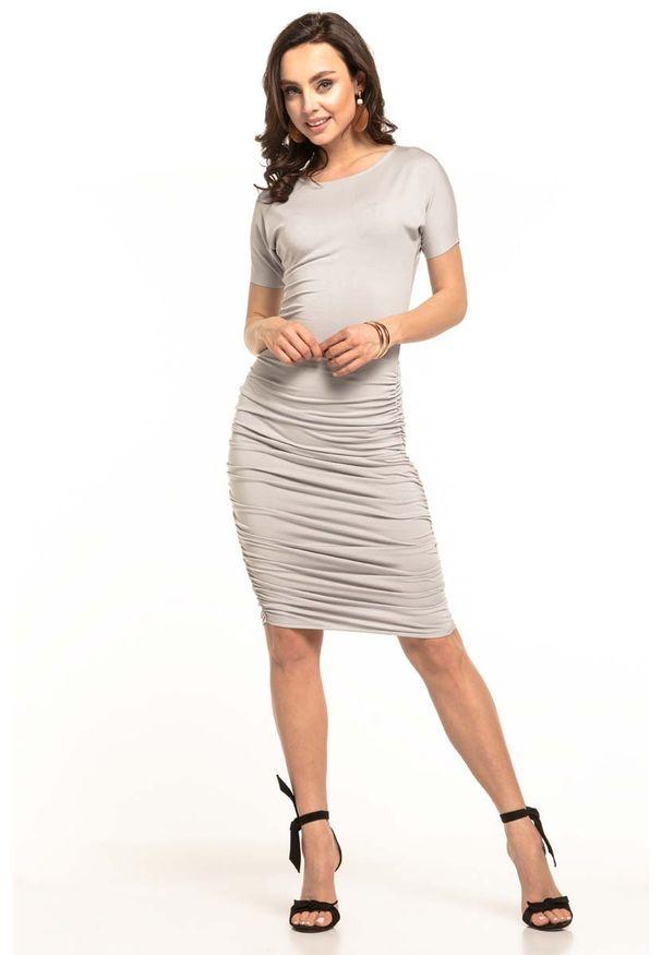 Tessita - Jasnoszara Dopasowana Midi Sukienka z Drapowaniami. Kolor: szary. Materiał: wiskoza, akryl, elastan. Długość: midi