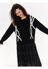 Czarny sweter TOP SECRET w kolorowe wzory, na co dzień, na jesień, casualowy