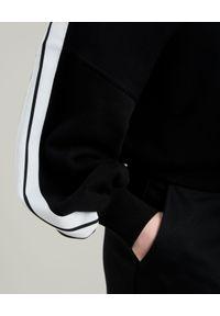 PALM ANGELS - Czarna bluza z lampasami. Typ kołnierza: dekolt w serek. Kolor: czarny. Długość: długie