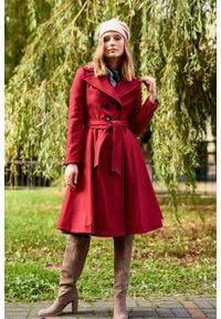 Marie Zélie - Płaszcz wełniany Achillea ciemnoczerwony. Kolor: czerwony. Materiał: wełna. Wzór: motyw zwierzęcy, ze splotem. Sezon: zima