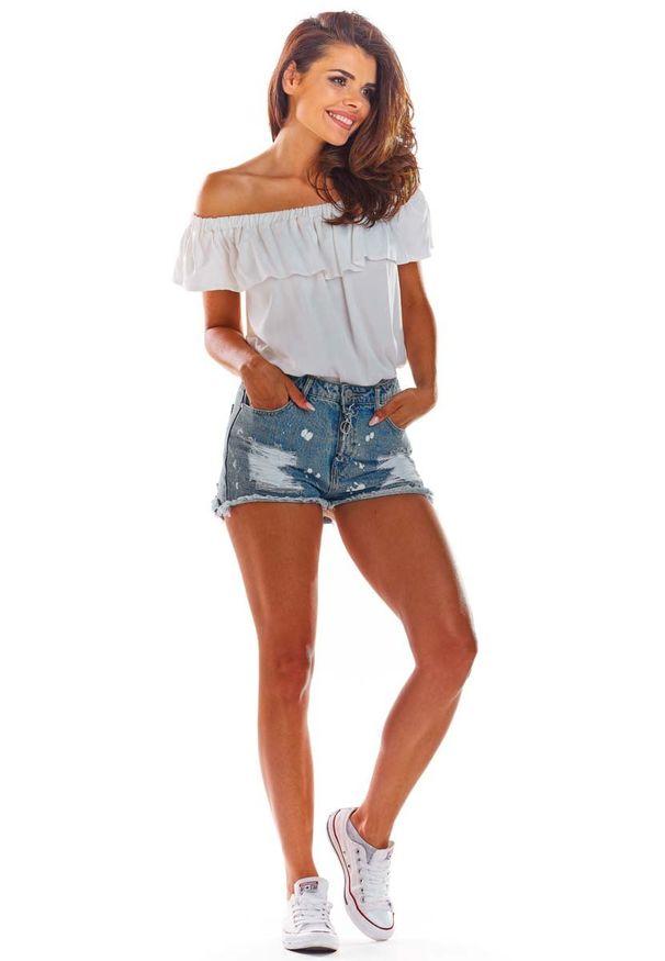 Awama - Biała Letnia Bluzka z Hiszpańskim Dekoltem. Kolor: biały. Materiał: wiskoza, elastan. Sezon: lato