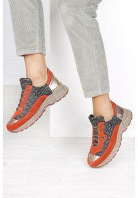 Pomarańczowe buty sportowe Maciejka