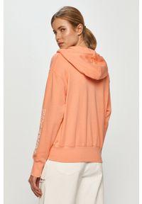 Nike Sportswear - Bluza. Kolor: pomarańczowy. Materiał: dzianina. Wzór: nadruk