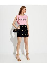 Balmain - BALMAIN - Różowy t-shirt z logo. Kolor: wielokolorowy, fioletowy, różowy. Materiał: bawełna