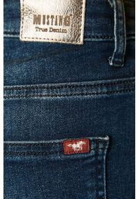 Niebieskie jeansy Mustang z podwyższonym stanem