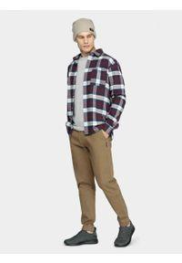 outhorn - Koszula męska. Typ kołnierza: kołnierzyk klasyczny. Materiał: bawełna. Długość rękawa: długi rękaw. Długość: długie. Styl: klasyczny