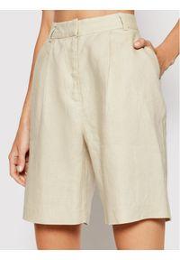 NA-KD Szorty materiałowe 1018-006755-8909-581 Zielony Regular Fit. Kolor: zielony. Materiał: materiał