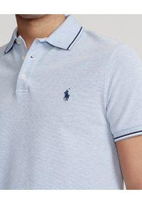 Ralph Lauren - RALPH LAUREN - Niebieska koszulka Birdseye Slim Stretch. Okazja: na co dzień, do pracy. Typ kołnierza: polo. Kolor: niebieski. Materiał: bawełna, prążkowany. Wzór: haft, aplikacja, paski. Styl: retro, casual