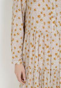 Born2be - Beżowa Sukienka Praxophi. Kolor: beżowy. Długość rękawa: długi rękaw. Wzór: kwiaty, aplikacja. Długość: maxi