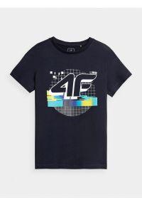 4f - T-shirt z nadrukiem chłopięcy. Kolor: niebieski. Materiał: bawełna, dzianina, materiał. Wzór: nadruk