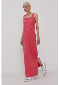 Vero Moda - Sukienka. Okazja: na co dzień. Kolor: różowy. Materiał: dzianina, poliester, bawełna. Długość rękawa: na ramiączkach. Wzór: gładki. Typ sukienki: proste. Styl: casual