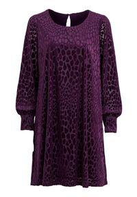 Cellbes Sukienka z wzorem z fakturą ciemnofioletowy we wzory female fioletowy/ze wzorem 34/36. Kolor: fioletowy. Materiał: jersey, materiał. Długość rękawa: długi rękaw. Styl: wizytowy, elegancki