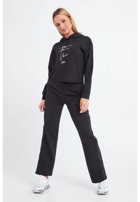 Bluza Emporio Armani krótka, z haftami, na co dzień