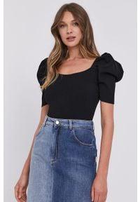 Czarny sweter Miss Sixty z krótkim rękawem, z dekoltem karo, krótki