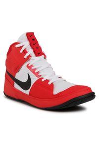 Czerwone buty treningowe Nike z cholewką