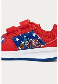 Czerwone buty sportowe Adidas na rzepy, z cholewką, z okrągłym noskiem