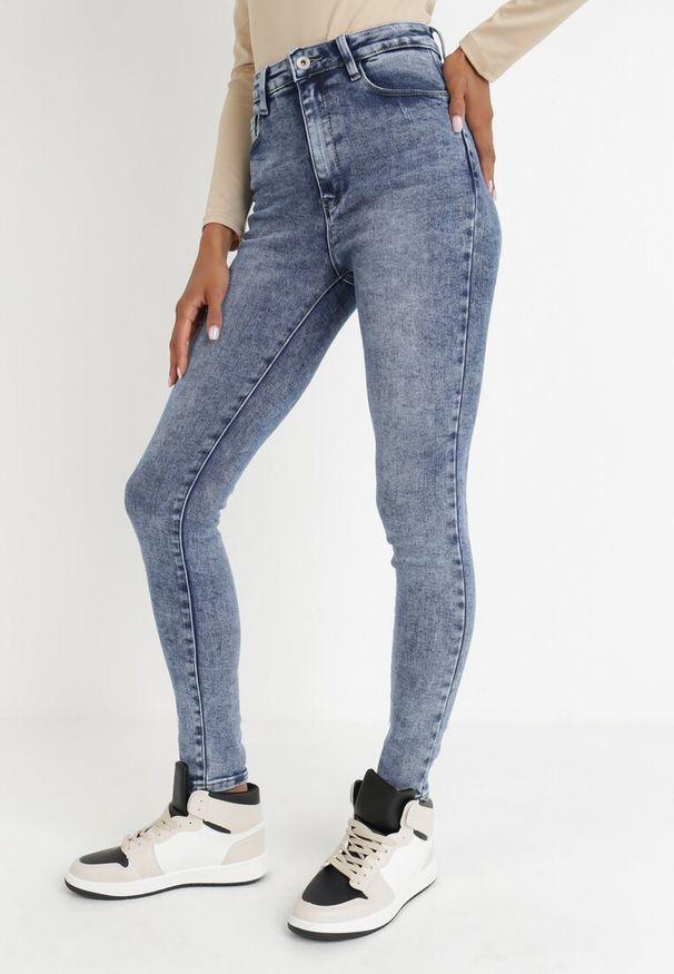 Born2be - Niebieskie Jeansy Skinny Ahor. Kolor: niebieski. Długość: długie