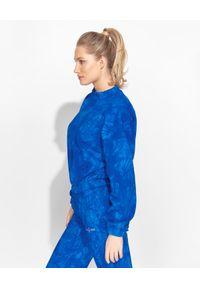 LOVE & ROSE - Niebieska bluza dresowa Kelly. Kolor: niebieski. Materiał: dresówka