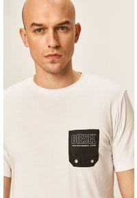 Biały t-shirt Diesel casualowy, z okrągłym kołnierzem, na co dzień