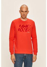 Czerwona bluza nierozpinana Jack & Jones na co dzień, z nadrukiem, casualowa, z okrągłym kołnierzem