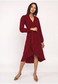 e-margeritka - Sukienka z przedłużanym tyłem bordo - 44. Materiał: tkanina, materiał, poliester. Wzór: motyw zwierzęcy, jednolity, kolorowy. Typ sukienki: asymetryczne, kopertowe. Styl: klasyczny, elegancki. Długość: midi