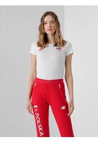 4f - Koszulka funkcyjna damska Polska - Tokio 2020. Kolor: biały. Materiał: materiał. Wzór: nadruk. Sezon: lato. Sport: fitness
