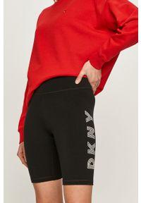 DKNY - Dkny - Szorty. Stan: podwyższony. Kolor: czarny. Materiał: dzianina. Wzór: nadruk