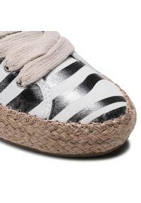 EMU Australia - Espadryle EMU AUSTRALIA - Agonis Zebra W12550 Coconut. Okazja: na co dzień. Kolor: biały. Materiał: materiał. Szerokość cholewki: normalna. Wzór: motyw zwierzęcy. Sezon: lato. Styl: casual