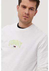 Tommy Jeans - Bluza. Okazja: na co dzień. Kolor: biały. Wzór: aplikacja. Styl: casual