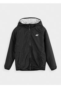 Czarna kurtka 4f z kapturem, raglanowy rękaw