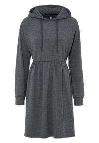 Szara sukienka bonprix melanż, z kapturem
