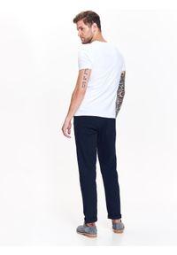 Biały t-shirt TOP SECRET z krótkim rękawem, w kolorowe wzory