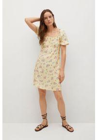 mango - Mango - Sukienka Leti. Okazja: na co dzień. Kolor: żółty. Materiał: tkanina. Długość rękawa: krótki rękaw. Typ sukienki: proste. Styl: casual