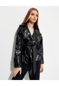SAKS POTTS - Czarna kurtka Greta. Kolor: czarny. Materiał: lakier. Długość rękawa: długi rękaw. Długość: długie. Styl: klasyczny