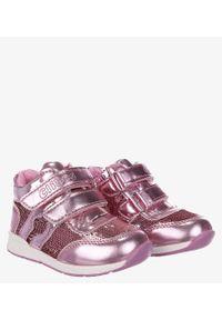 Casu - Różowe buty sportowe ze skórzaną wkładką na rzep casu f-737. Zapięcie: rzepy. Kolor: różowy. Materiał: skóra