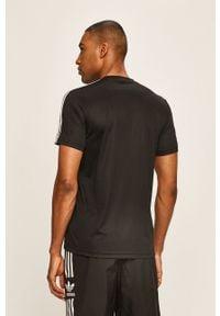 Czarny t-shirt Adidas casualowy, na co dzień, z okrągłym kołnierzem