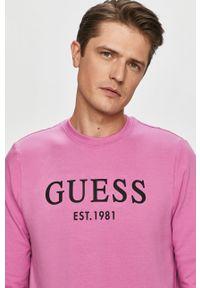Różowa bluza nierozpinana Guess bez kaptura, na co dzień, casualowa, z nadrukiem