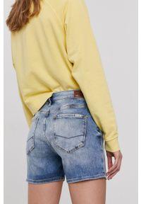 Cross Jeans - Szorty jeansowe. Okazja: na co dzień. Kolor: niebieski. Materiał: denim. Styl: casual