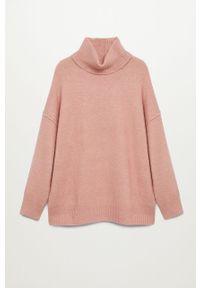 Różowy sweter mango gładki, z długim rękawem, z golfem