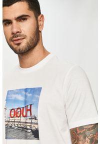 Biały t-shirt Hugo z nadrukiem, casualowy