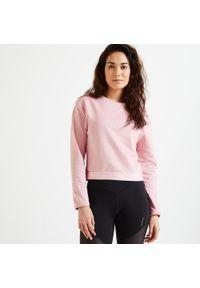 DOMYOS - Bluza fitness Domyos 500 krótka. Kolor: różowy. Materiał: poliester, elastan, materiał. Długość: krótkie. Sport: fitness