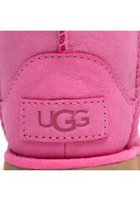 Ugg - Buty UGG - T Classic Weather Short 1019646T Paz. Okazja: na spacer. Kolor: różowy. Materiał: skóra, nubuk. Szerokość cholewki: normalna. Sezon: zima