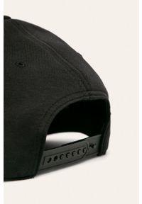Czarna czapka z daszkiem Reebok Classic