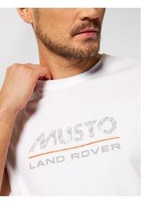 Musto T-Shirt Logo 84008 Biały Regular Fit. Kolor: biały
