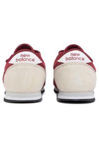 Czerwone półbuty New Balance z cholewką, na rzepy