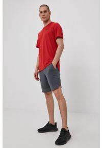 Nike - T-shirt. Okazja: na co dzień. Kolor: czerwony. Materiał: tkanina, dzianina, skóra, włókno. Wzór: gładki. Styl: casual