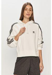 adidas Originals - Bluza. Okazja: na co dzień. Kolor: biały. Wzór: aplikacja. Styl: casual