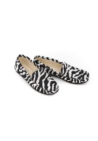 Zapato - mokasyny damskie z motywem zebry - skóra naturalna - model 001 – kolor zebra. Zapięcie: bez zapięcia. Materiał: skóra. Wzór: motyw zwierzęcy. Sezon: wiosna, lato. Obcas: na obcasie. Styl: klasyczny. Wysokość obcasa: niski