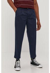 Levi's® - Levi's - Spodnie. Okazja: na spotkanie biznesowe. Kolor: niebieski. Materiał: tkanina, bawełna. Styl: biznesowy