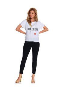 TOP SECRET - T-shirt damski z aplikacją. Kolor: biały. Długość rękawa: krótki rękaw. Długość: krótkie. Wzór: aplikacja. Sezon: wiosna. Styl: klasyczny